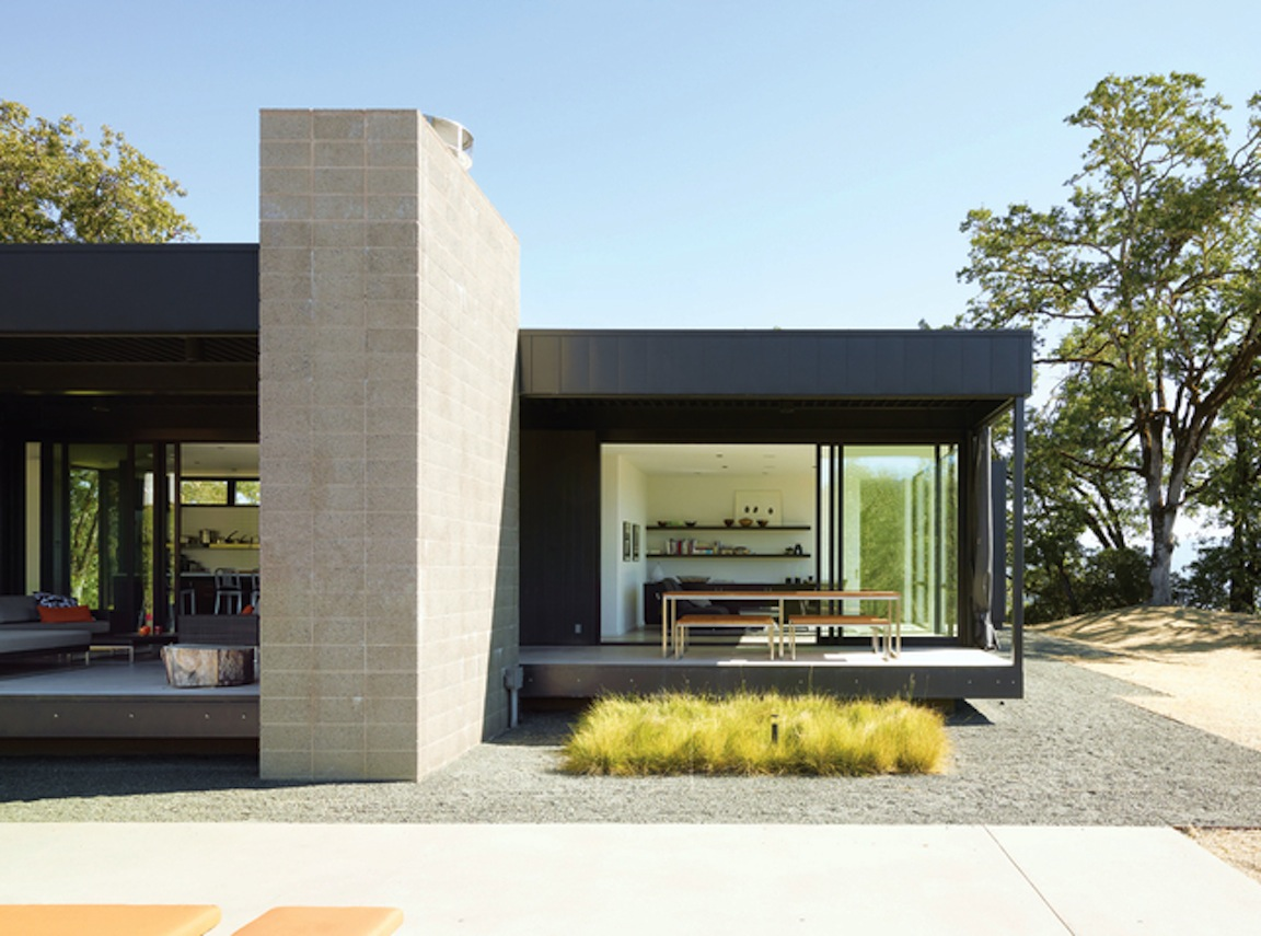 Black white yellow a simple plan from dwell Small flat roof house