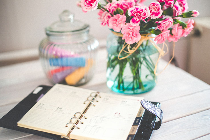 Ready to get organized & feel like an all new you in 2016? Check out these simple 7 tips to help you get things in order this year!