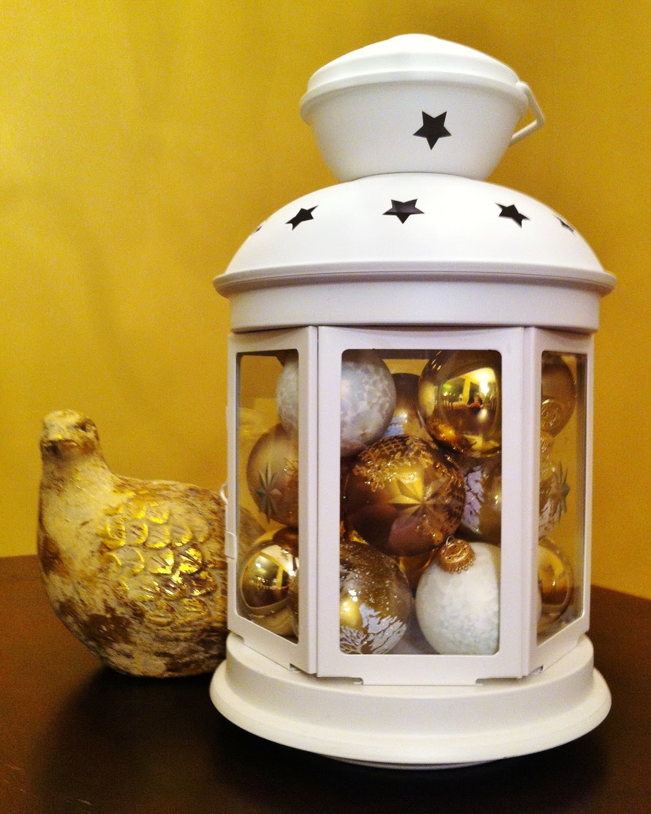 Bonnieprojects lantern and ornaments centerpiece