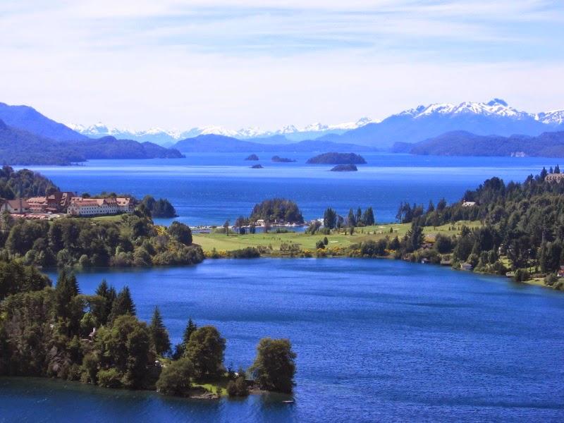http://upload.wikimedia.org/wikipedia/commons/f/f2/Bariloche-_Argentina2.jpg