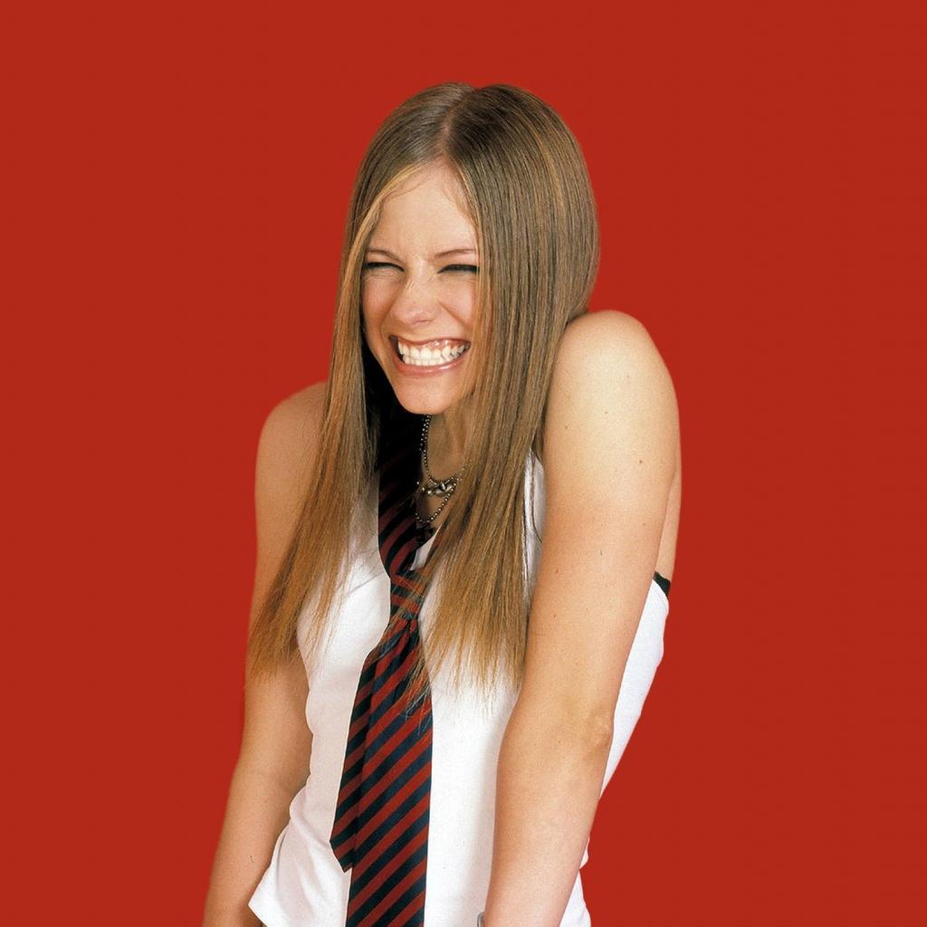 http://1.bp.blogspot.com/-NOAA5hV7Qz0/T__Ij_9GxVI/AAAAAAAABSw/rBpLcUHYpSw/s1600/Avril+Lavigne++3.jpg