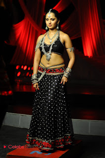 Anushka Shetty Latest  Pictures in Skirt and Blouse  0008