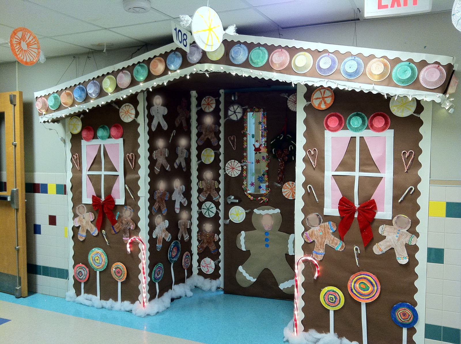 Christmas Door Decorating Contest Ideas For School : Mr first grade christmas door contest