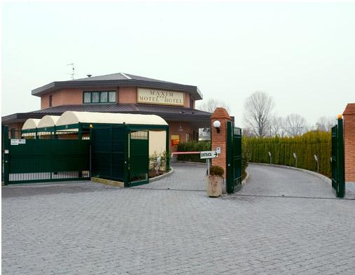 Il motel maxim a peschiera borromeo milano for Motel milano