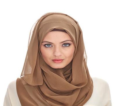 Tips Menggunakan Makeup Yang Benar Bagi Pemakai hijab pemula