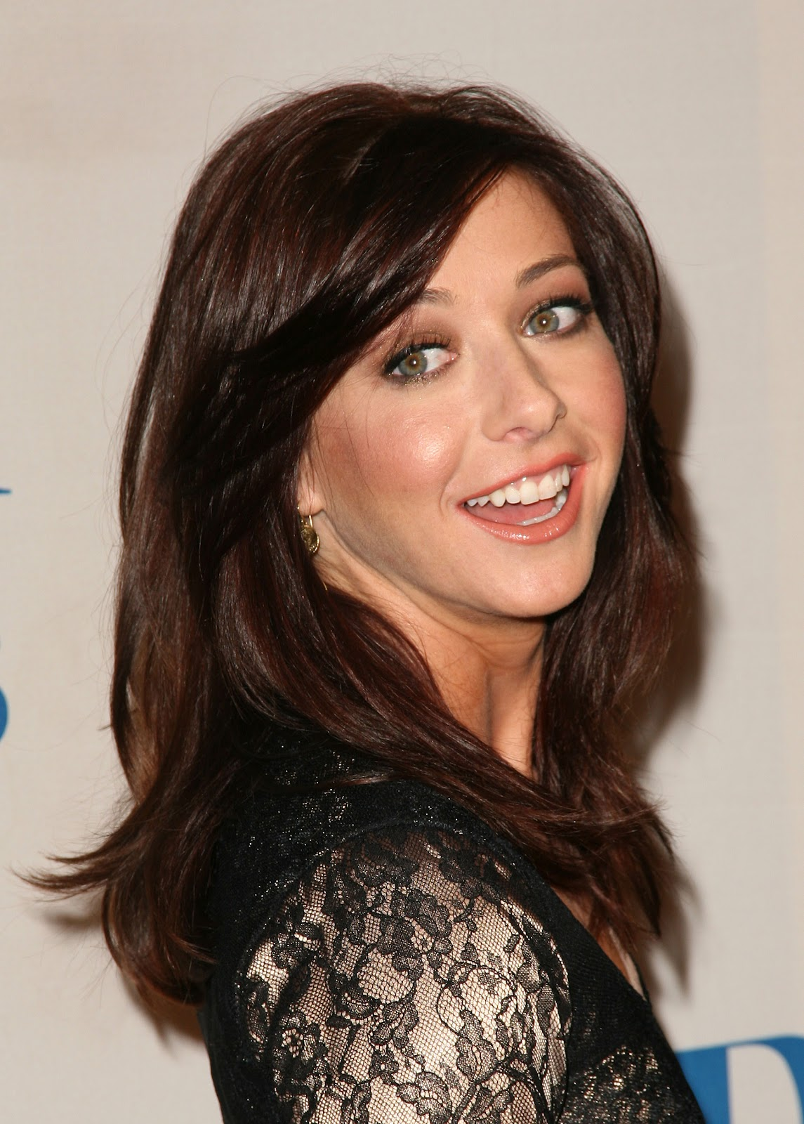 New Model Hair Style : new life hartz: Alyson Hannigan New Hairstyles