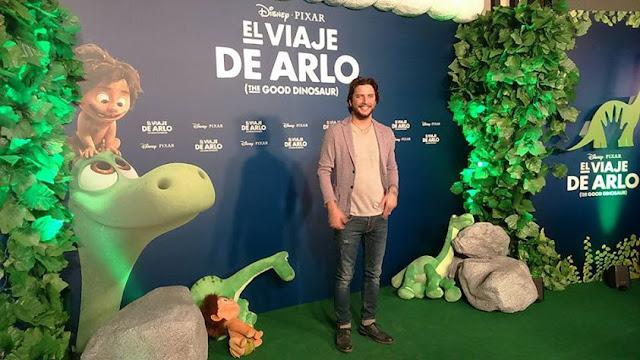 Manuel Carrasco en la Premiere de El Viaje de Arlo
