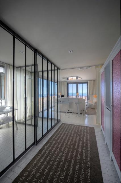 Maison grace philippe starck la co o rniche hotel - Hotel la co o rniche ...