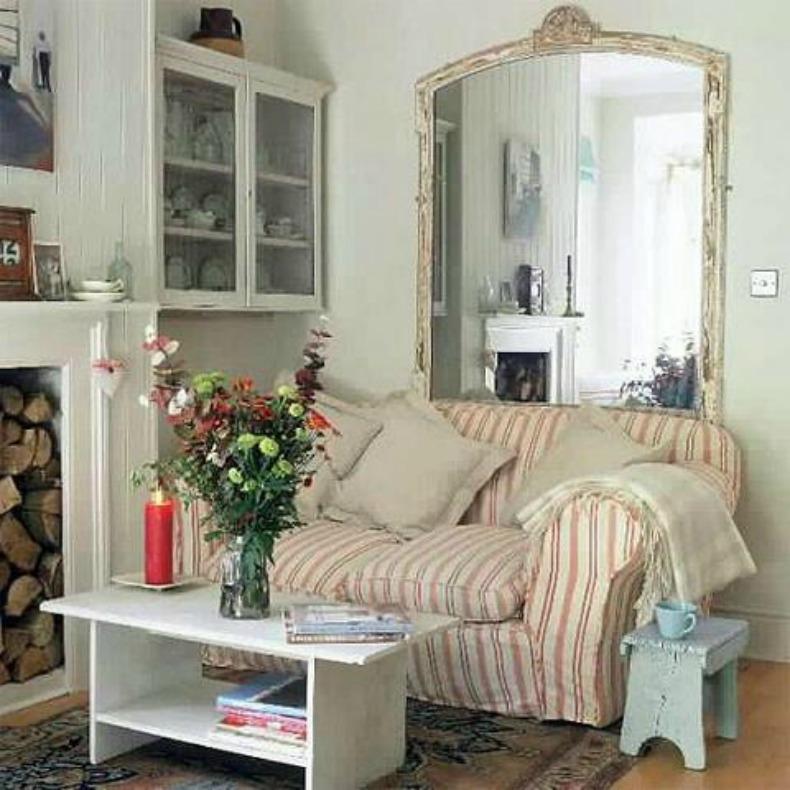 Coastal stripe slipcover sofa in beach house sitting room
