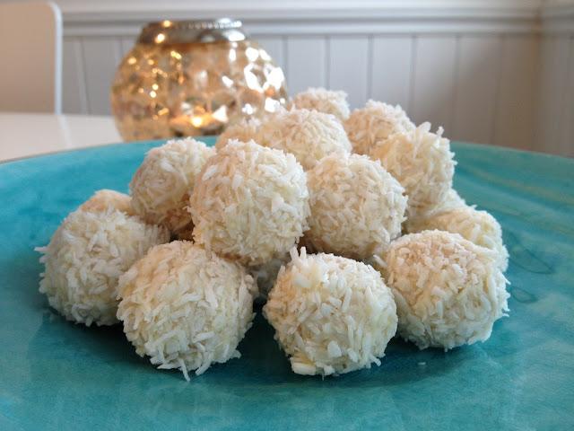 Snøballer – marsipankuler med sitron og kokus