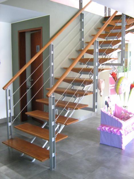 Indumetalicas martinez y palau escaleras y barandas for Fotos de escaleras de herreria