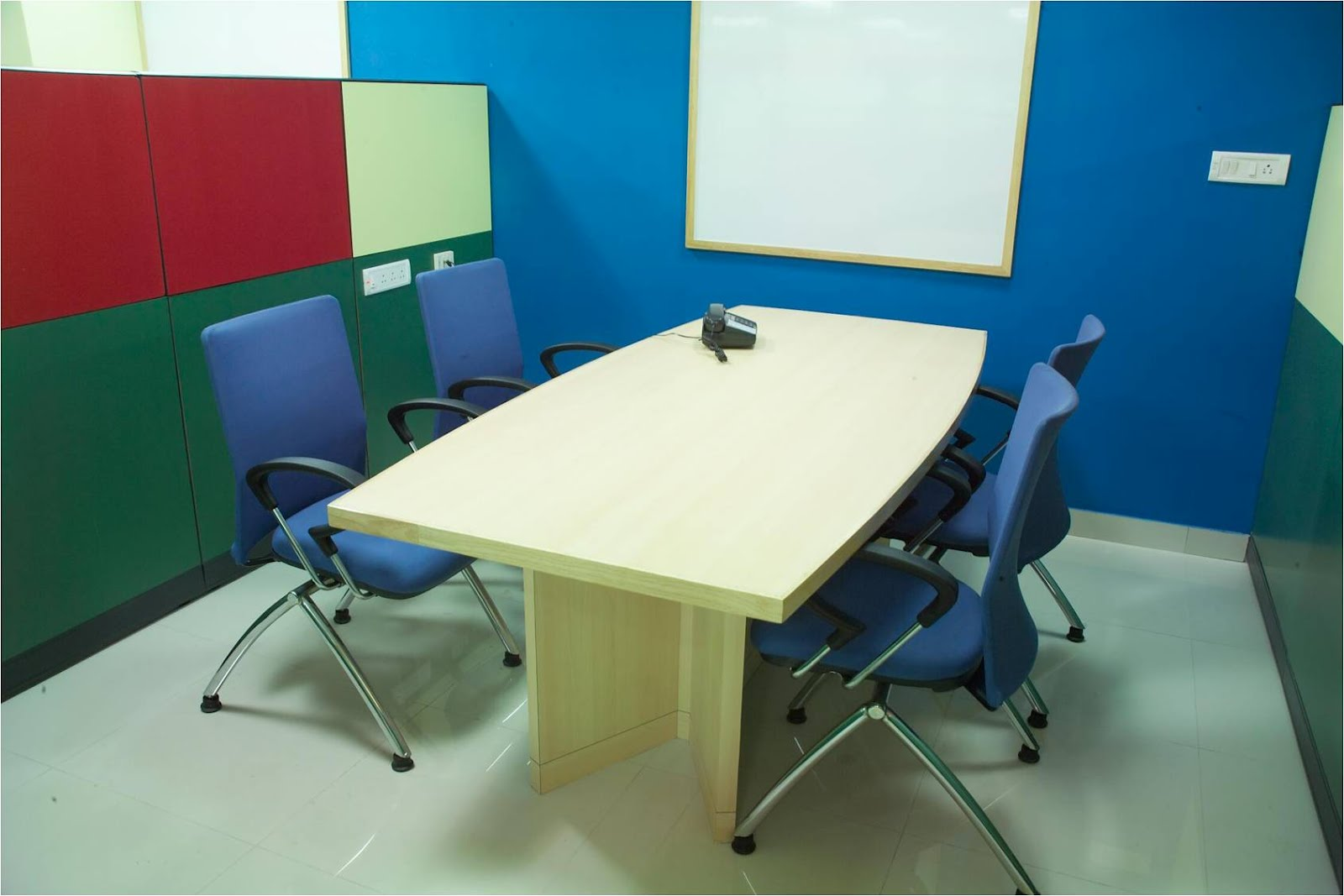 Mini Conference Table For Sale In Hyderabad - Mini conference table