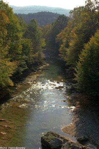 Фото Укринформ:река