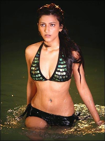 Shruthi Hassan hot and Sexy Pictures Free Download