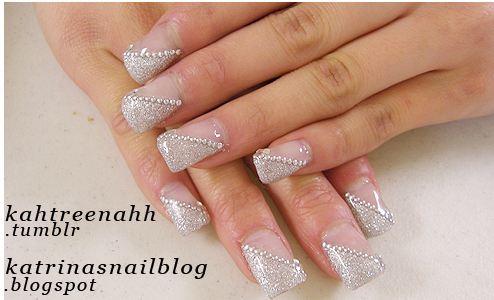 http://1.bp.blogspot.com/-NQZyFuv7iqY/UAqg26CThWI/AAAAAAAAA4w/6wMpXuEy8aA/s1600/wedding+nails+6.JPG