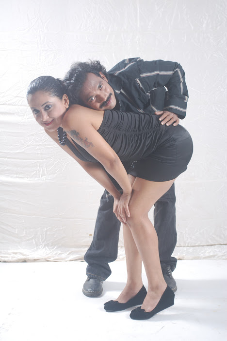 Alaral Movie Hot Spicy Stills leaked images