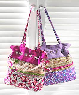 zenske-torbe-sa-cvetnim-motivima-016