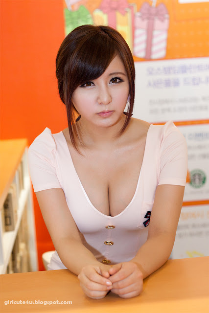 Ryu-Ji-Hye-SIDEX-2011-03-very cute asian girl-girlcute4u.blogspot.com
