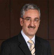 Prof.Dr.+Ekrem+Bu%25C4%259Fra+EK%25C4%25B0NC%25C4%25B0 Yavuz Sultan Selim Han küpe taktı mı?