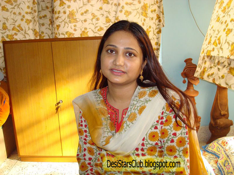Beautiful Desi Aunty Beauty Tips