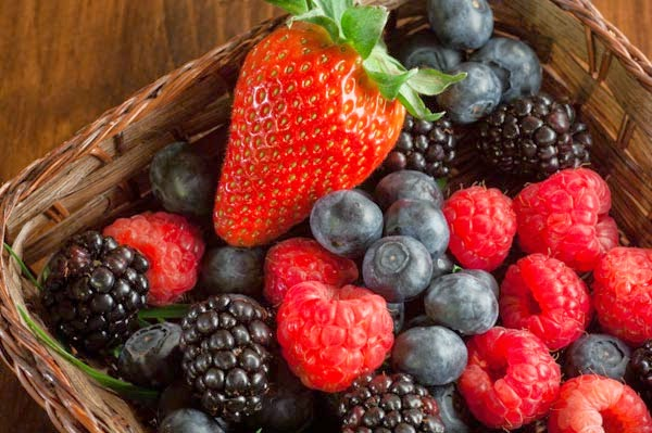 The Amazing Health Benefits of Berries and Why You Should Eat More of Them