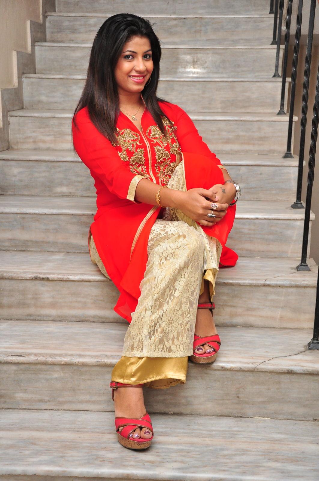 Geethanjali glam pics-HQ-Photo-16