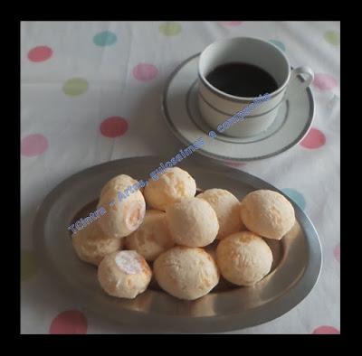 PÃO DE QUEIJO com 03 ingredientes; pão mineiro; lanche; queijo parmesão; polvilho; lanche;