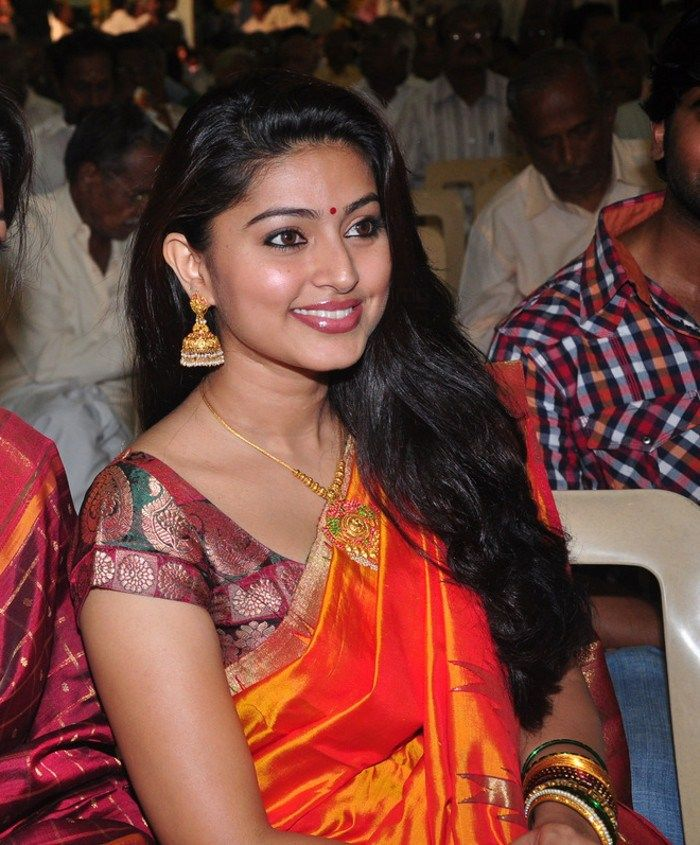 http://1.bp.blogspot.com/-NS6z8esbp8c/ThA4L-XpzsI/AAAAAAAAbww/5MRivnn2nJw/s1600/tamil+actress+sneha+saree+stills+7.jpg