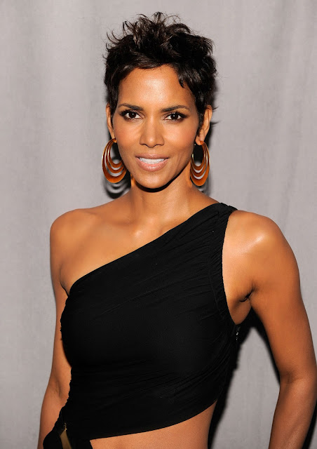 Halle Berry biography and Hot pictures
