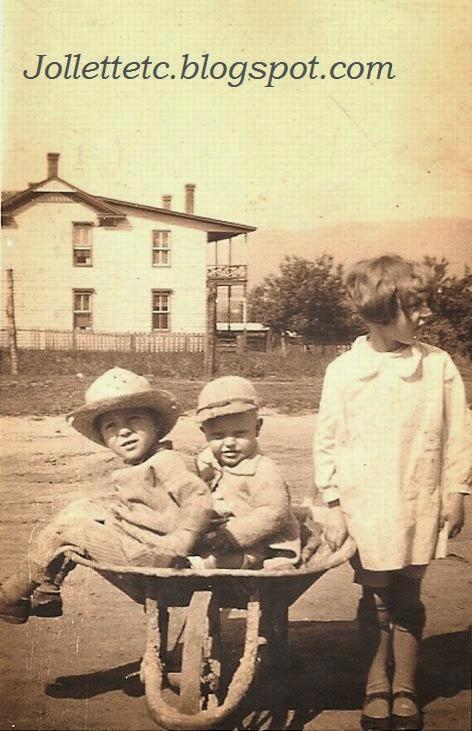 Orvin Davis Jr., Lanier Wade, Louise Wade Shenandoah, VA 1927  http://jollettetc.blogspot.com