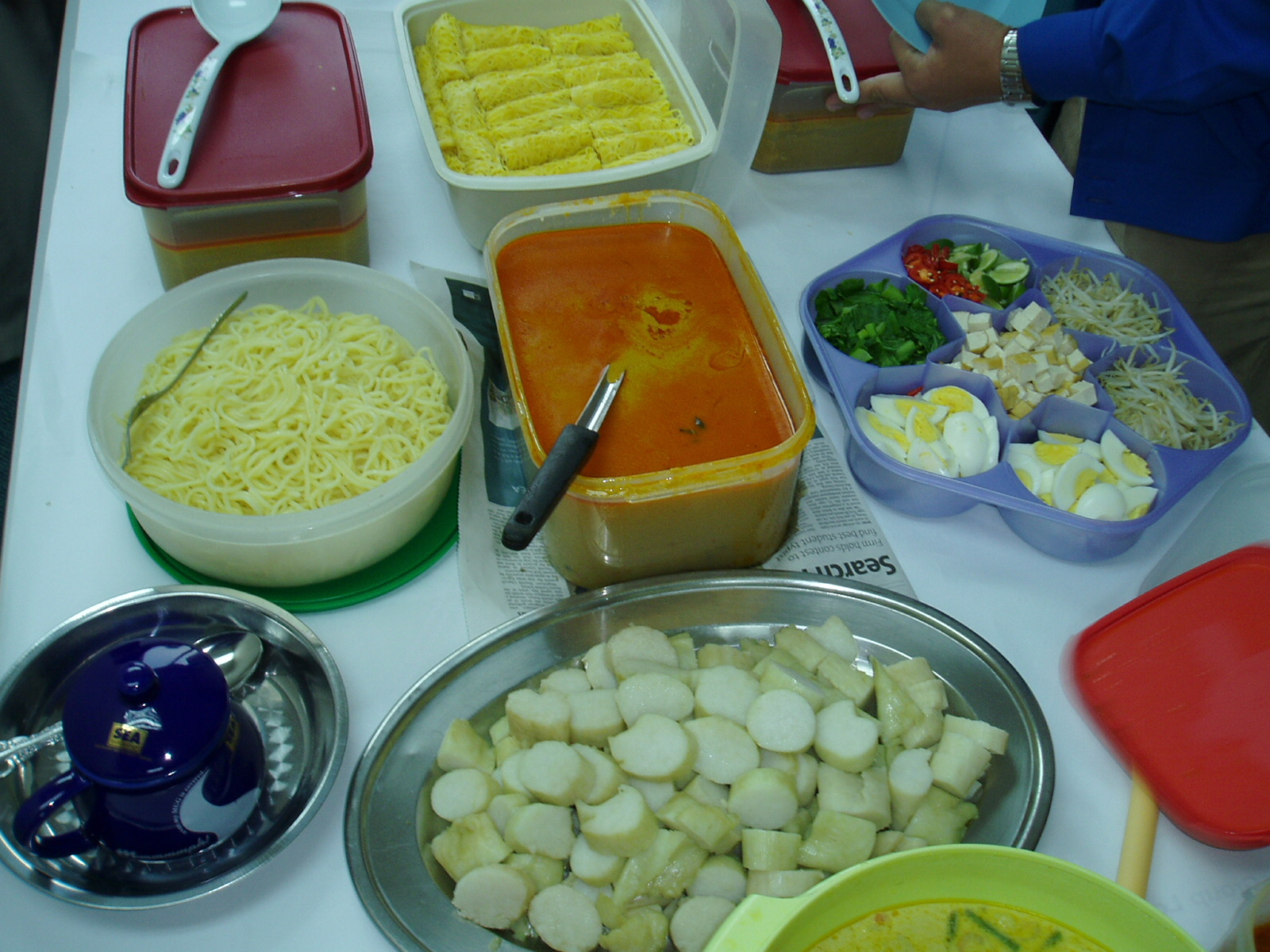 All about malaysia potluck in malaysia brunch family food friends hungry laksa malaysian potluck nasi forumfinder Choice Image