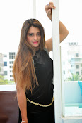 Farah khan glamorous photos-thumbnail-18