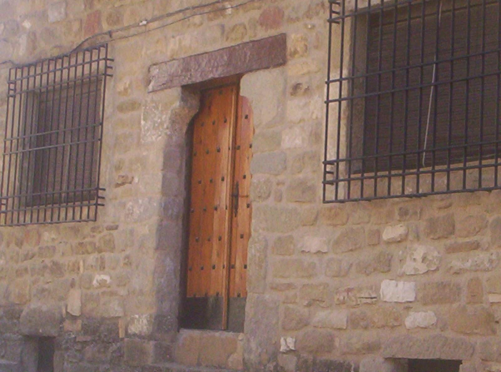 Sos del rey cat lico las puertas - Dintel de madera ...