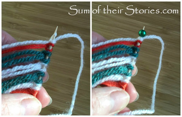Mini yarn wall hanging Christmas Tree Ornaments tutorial