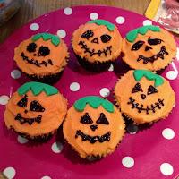 scary pumpkin cupcakes