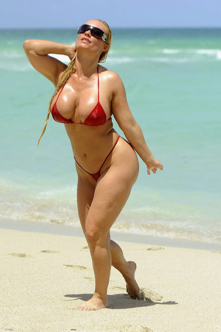 Nicole coco Austin en bikini enormes nalgas - Fotos de chicas, mujeres ...