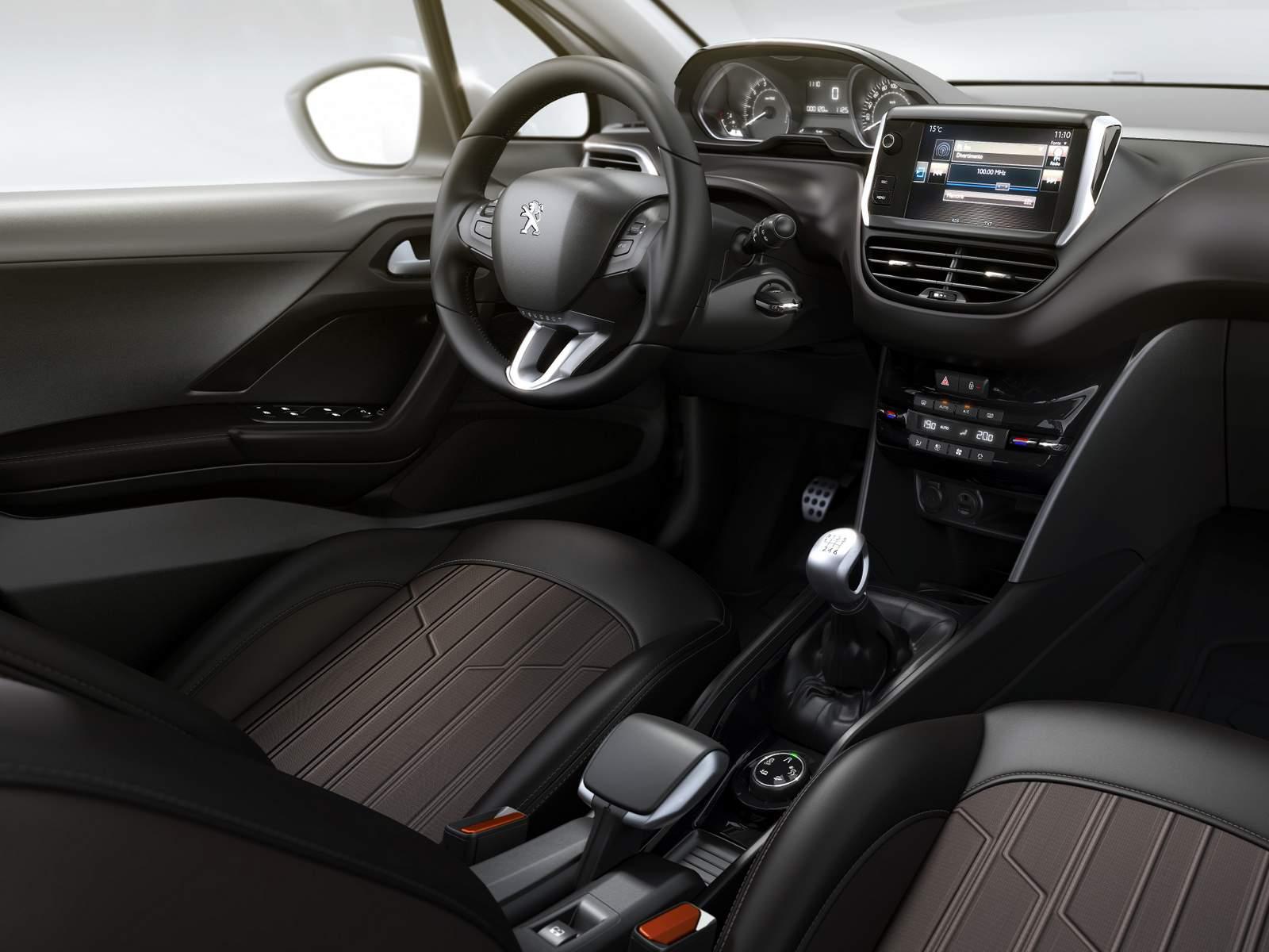 Peugeot 2008 Brasil - interior