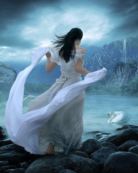 http://1.bp.blogspot.com/-NTDivZ5A0c4/TkrN-VQNNUI/AAAAAAAADm4/1mUyQzD0sqg/s1600/femme+cygne+bleu.jpg