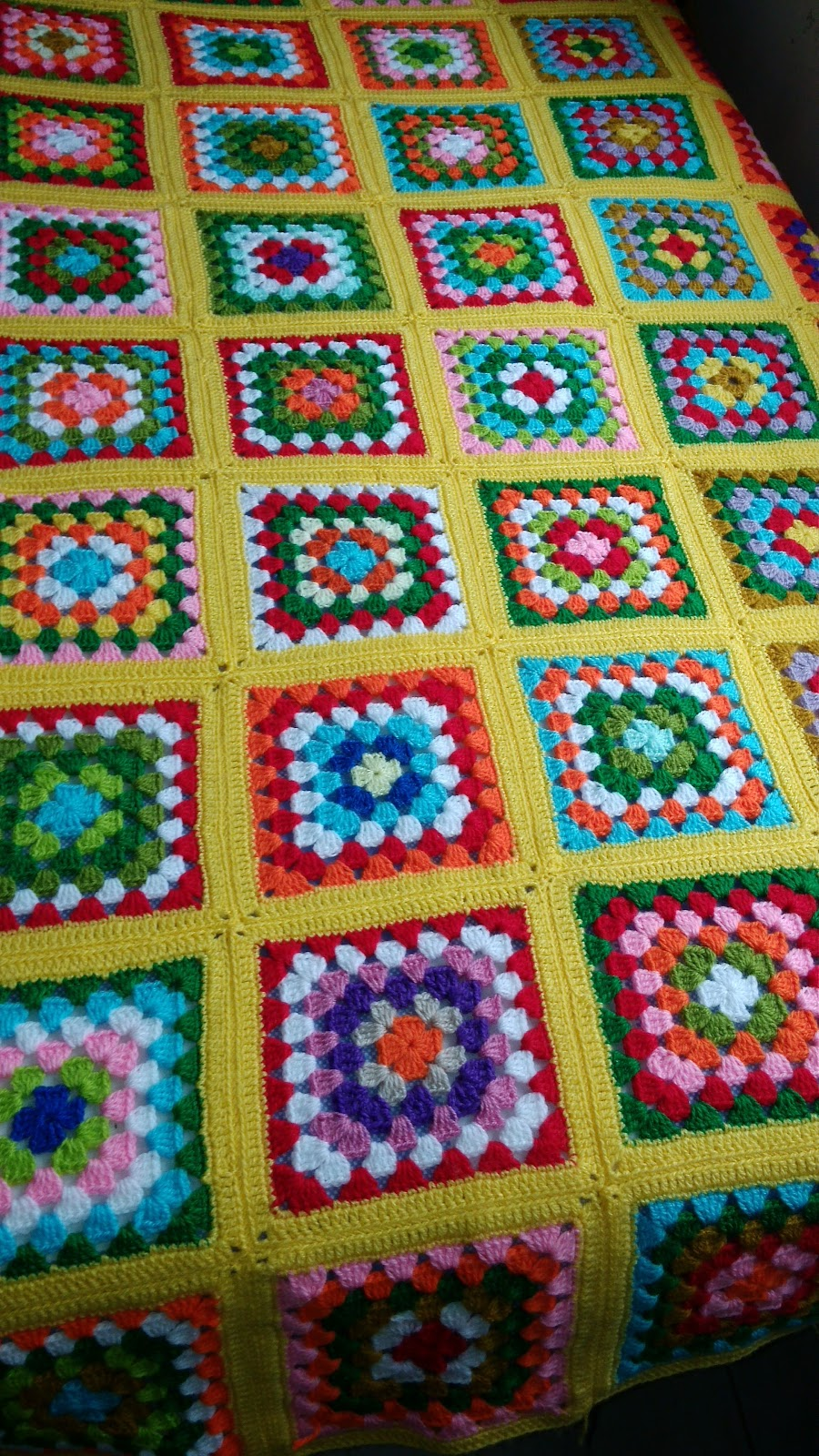 Curso de tejido a mano manta de crochet c mo unir cuadrados - Mantas de crochet a cuadros ...