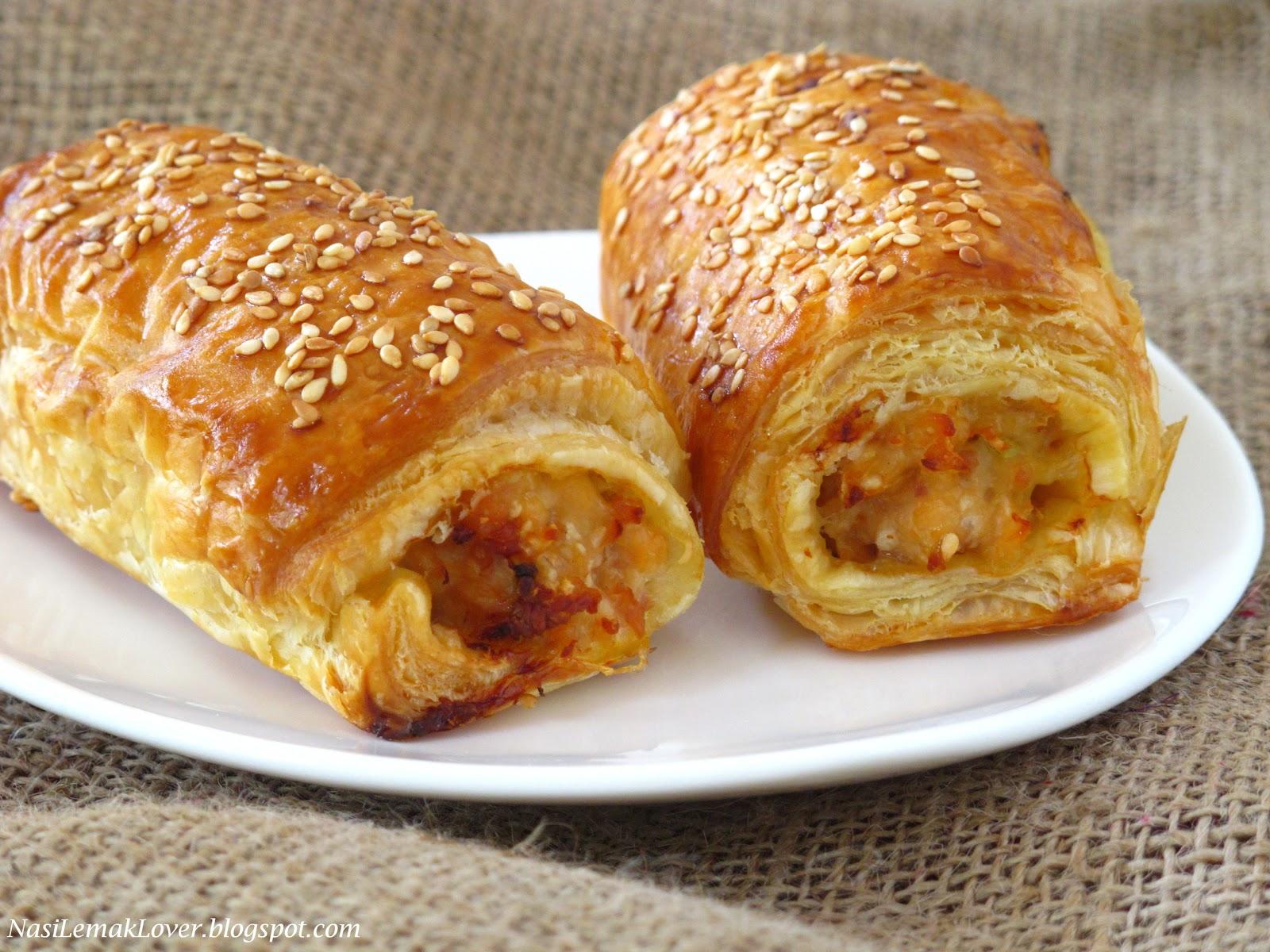 Nasi Lemak Lover: Chicken and Bacon puff rolls