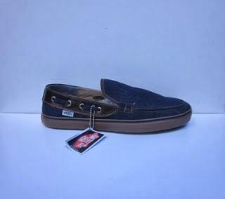 Sepatu Vans Zapato Slop  donker,