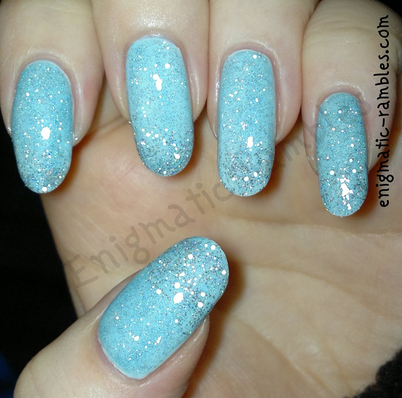 frozen-ice-iced-nails-nail-art-barry-m-blue-moon-matt-white-models-own-juicy-jules-kleancolor-blue-holo-135