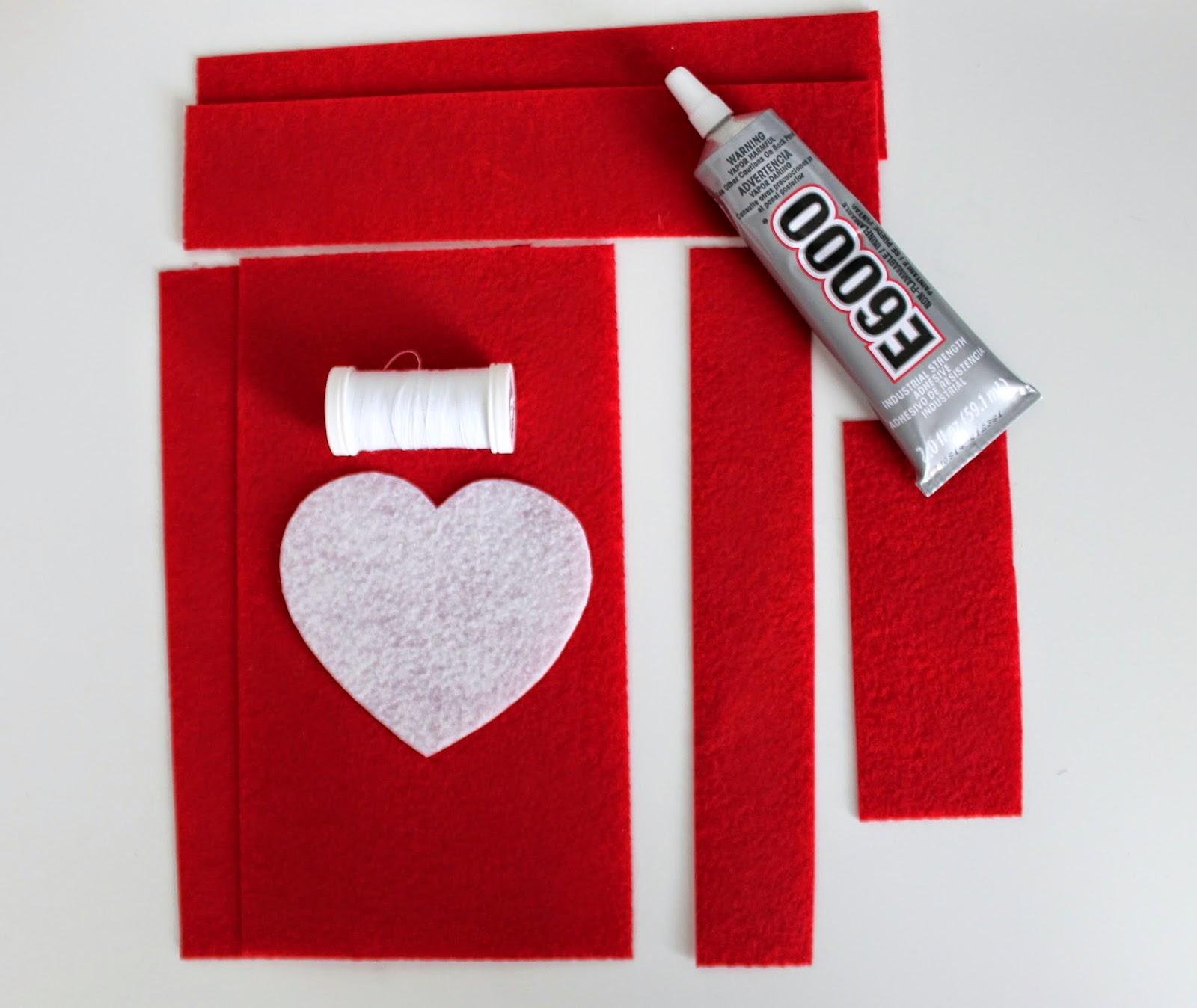 DIY Felt Valentine's Day Bag supplies | www.bubblesandgold.com