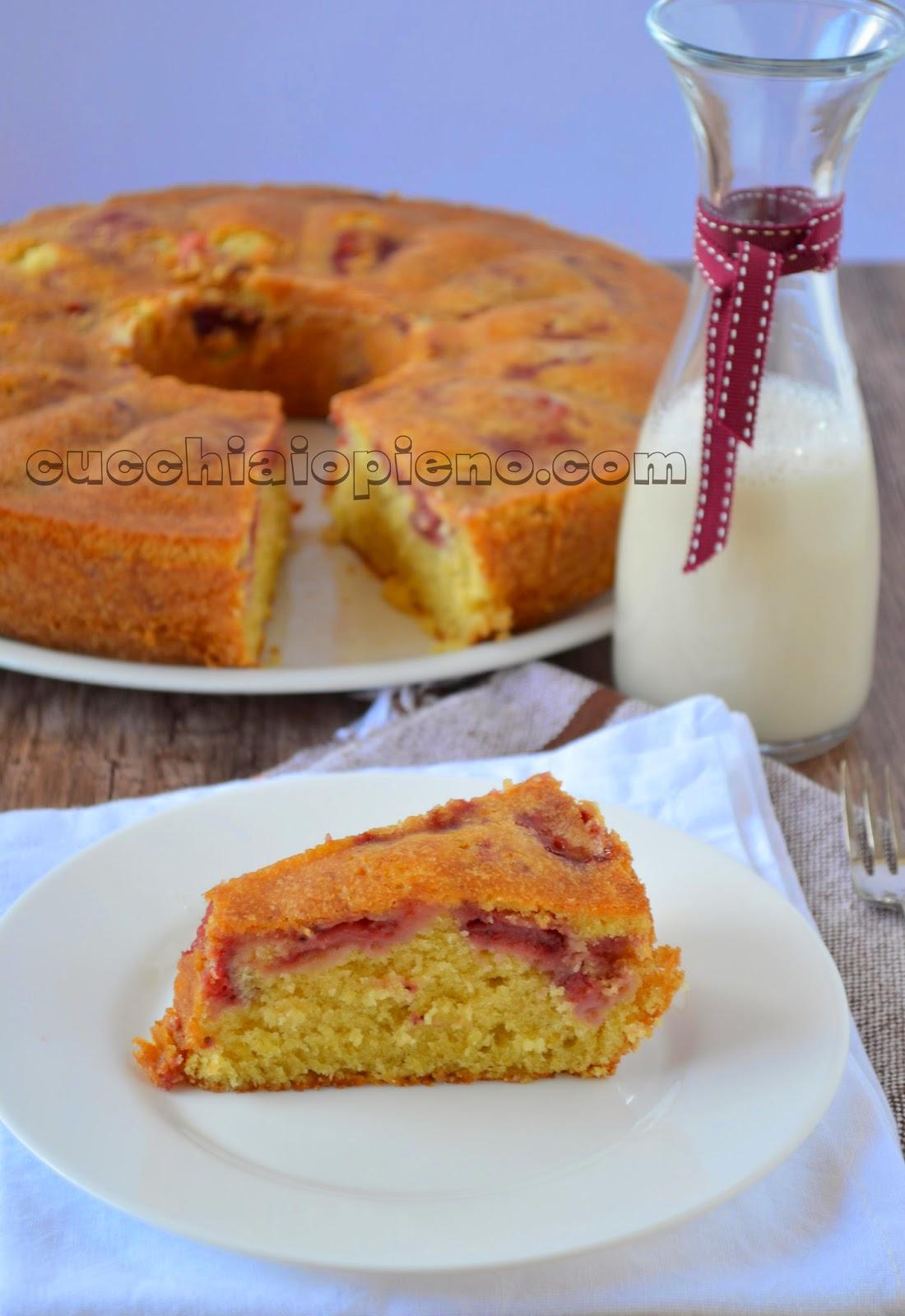 bolo de morango e iogurte