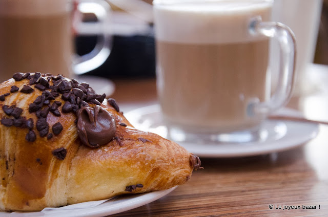 croissant au chocolat ou chocolat au croissant ?