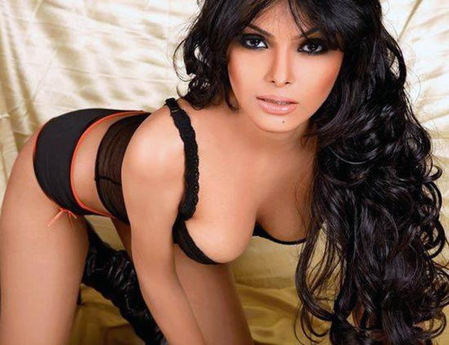 Sherlyn chopra red swastik 3