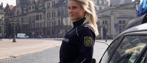 Com certeza, uma das policiais mais lindas do mundo!