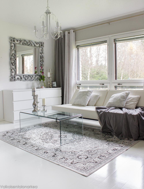 Olohuoneen Sohva : Valkoisen talon arkea: Olohuoneessa
