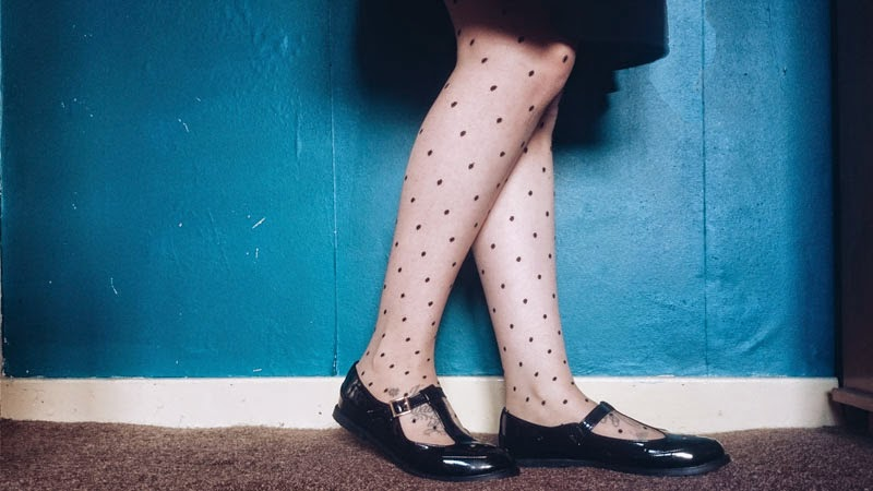 retro-polkadot-tights-geek-shoes