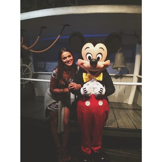 Bruna Marquezine poses with Mickey in the park